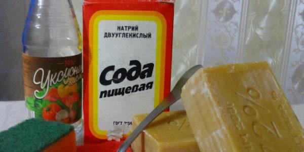 Уксус, сода и хозяйственное мыло против пригоревшего жира внутри духовки