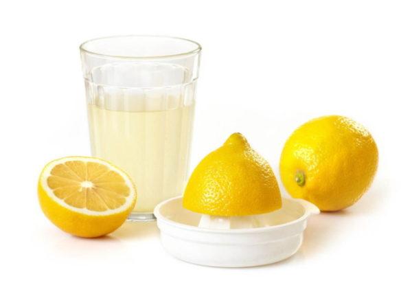 Сок лимона против пригоревшего жира в духовке