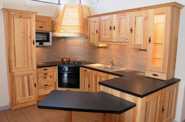 Кухонный гарнитур, изготовленный своими руками