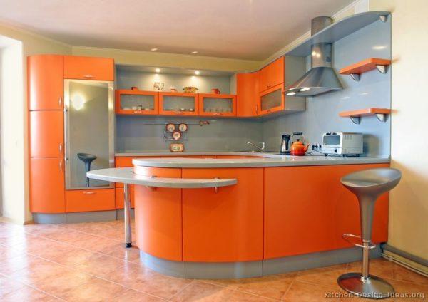 Дизайн кухни в серо-оранжевом цвете