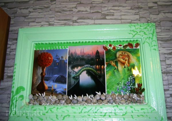 При наличии единой стены между ванной и самой кухней можно сделать окно между ними, украсив рамкой и затемнив само окно