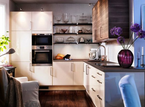 Ремонт кухни будет недорогой, если его сделать своими руками