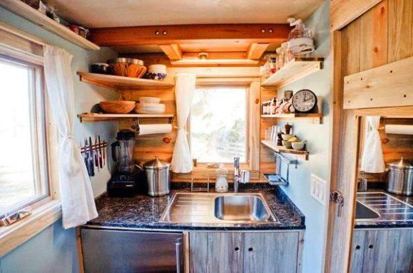 Фото дизайна маленькой кухни на даче