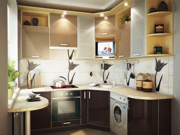Для тесной кухни в хрущевке используйте как можно больше света, ваше помещение будет казаться визуально больше