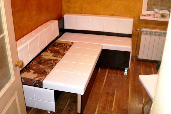 Как разместить диван на малогабаритной кухне: варианты дизайна маленьких кухонь с диваном