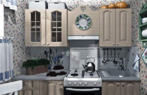 Даже тесная провансальская кухня всегда будет уютной и теплой.