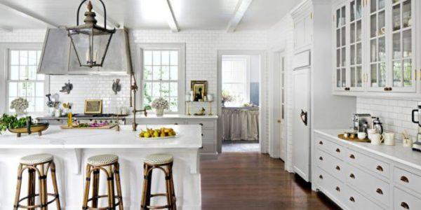 Белая кухня - красивый и практичный дизайн