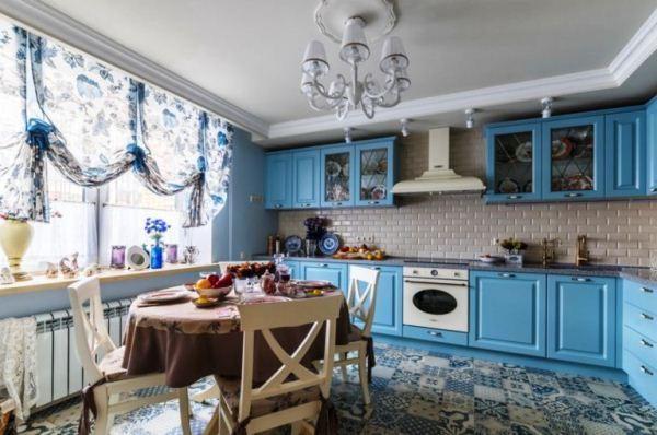 10 идей оформления окна для кухни в стиле прованс