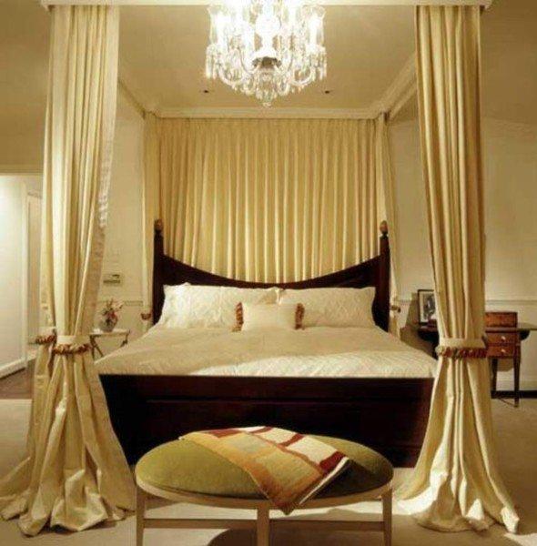 Балдахин создает иллюзию воздушности и романтическое настроение.