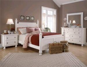 Белая мебель и темные стены