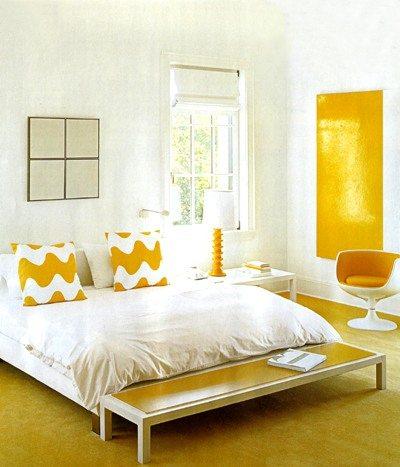 Белое и желтое сочетание: солнечная комната