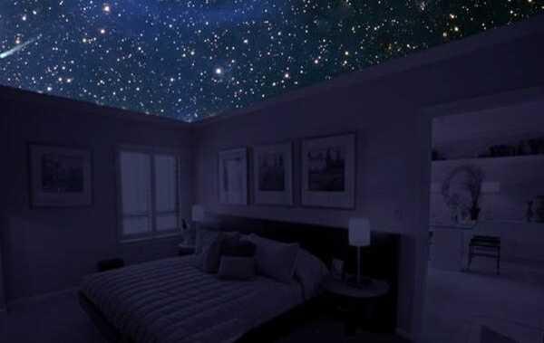 Благодаря натяжному потолку вы сможете каждый день засыпать под звездным небом