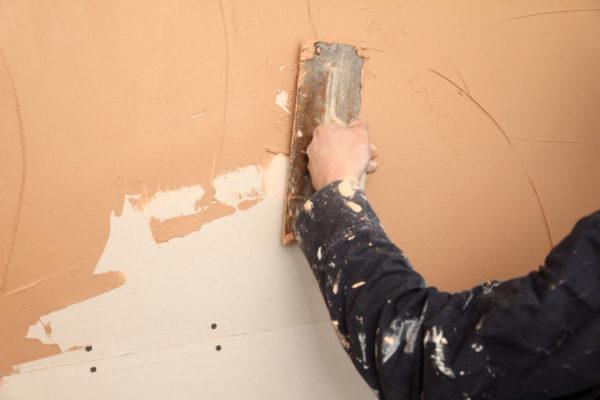 Шпатлевка стены под покраску