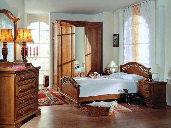 Более востребованы по-прежнему деревянные изделия.