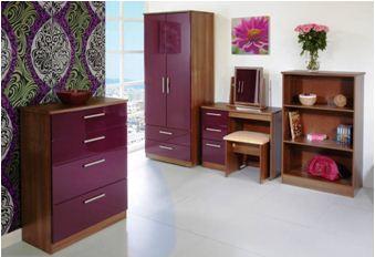 Цена такого набора чуть больше 20 тысяч, его отличает полная гармония стиля и цветовой палитры, что характерно для всех гарнитуров из МДФ («D»)