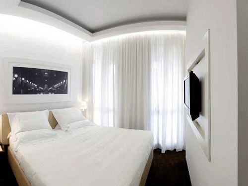 Даже самое небольшое помещение можно стилизовать, превращая его в уютную комнату