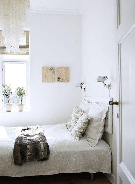 Даже в очень маленькой комнатке, площадь которой не превышает 6 кв м, можно создать уютную обстановку.