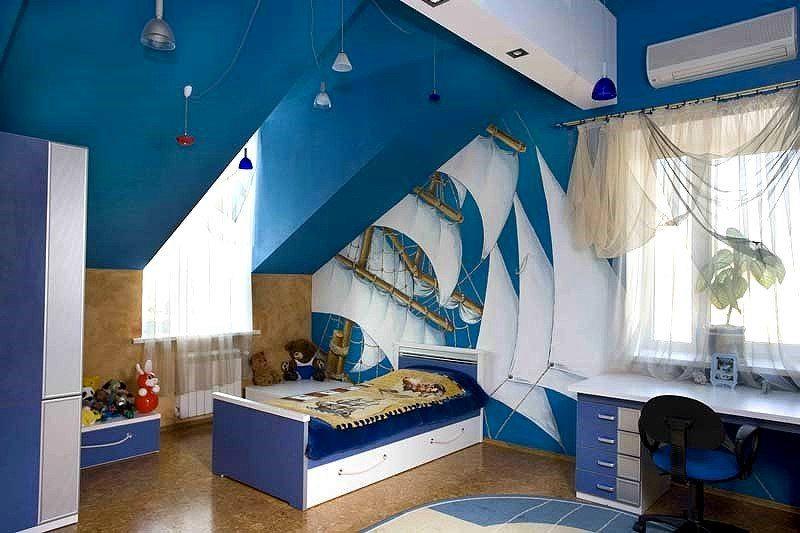 Детская комната на мансарде в морском стиле.