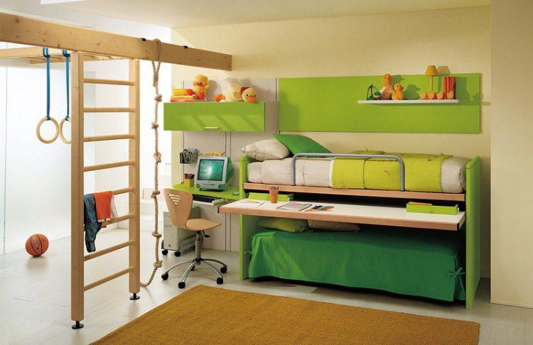 Детская, поделенная на игровую и спальную зоны.
