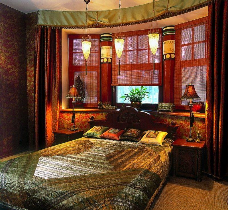 Дизайн индийской спальни не требует четких зон.