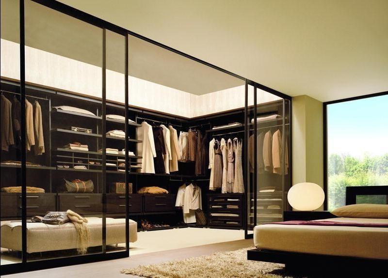 Дизайн спальни с гардеробной 18 кв м (идея для частных загородных домов).
