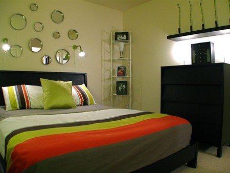 Для разных частей помещения можно использовать разные виды настенных светильников
