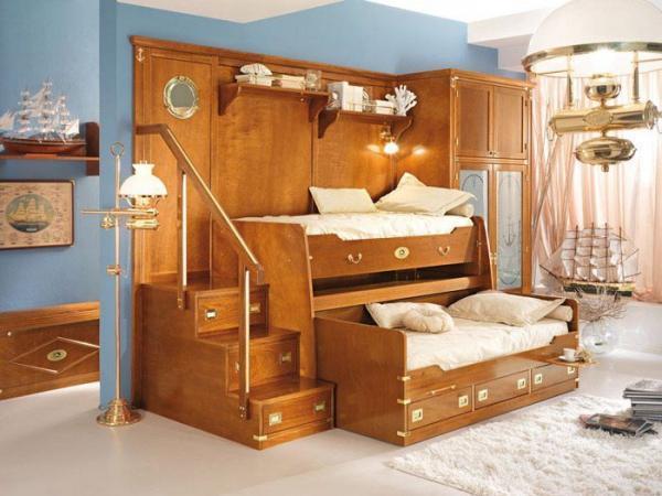 Еще один интересный вариант оформления спальни для мальчиков - будущие капитаны!