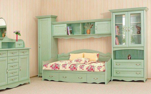 Еще один вариант оформления детской мебели, состоящей из модулей