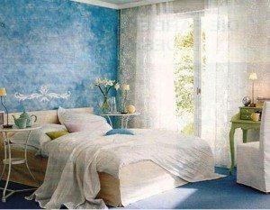 Если окна смотрят на юг, то подойдут для оформления этой комнаты и холодные краски.
