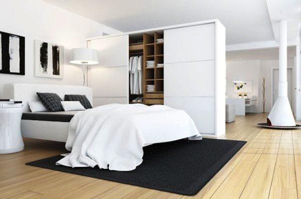 Если пространство большое, то вопрос, как объединить гостиную и спальню, решается гораздо проще