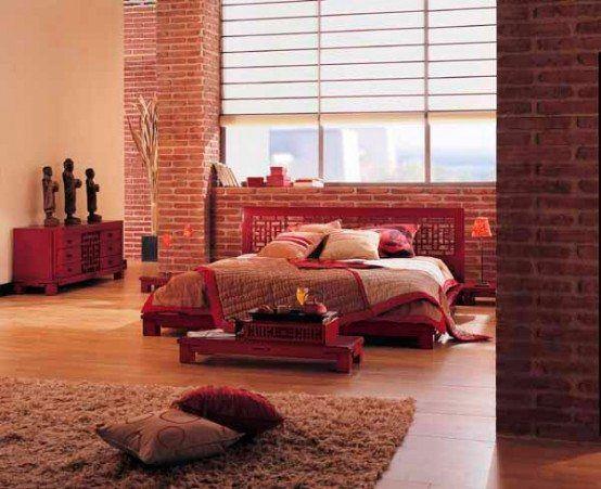 Этностиль – красный цвет на разных материалах для динамичных людей.