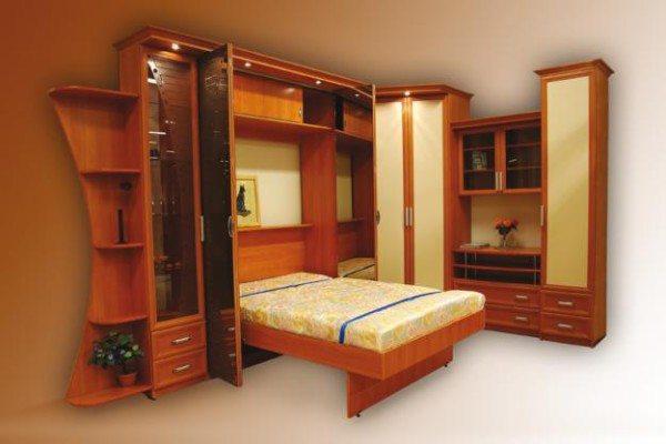 Фото компактного набора для взрослой спальни.