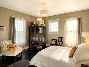 Фото кресла в интерьере спальни
