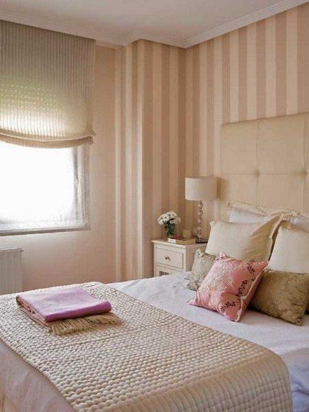 Фото маленькой спальни с небольшим окном