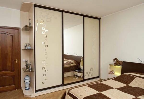 Фото шкафа-купе в интерьере спальни
