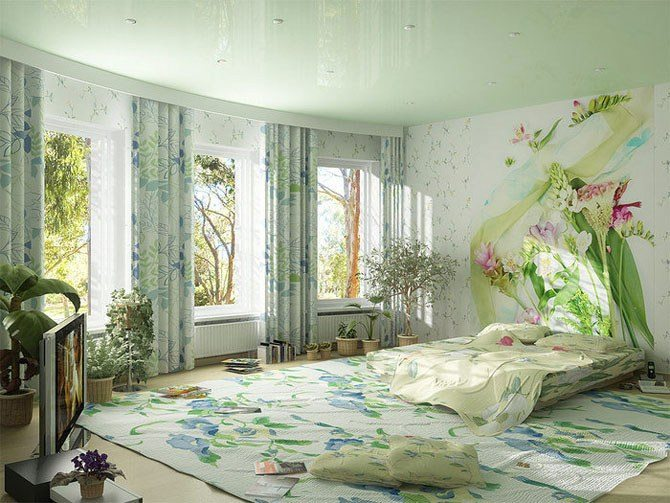Фото: соединение узора на стенах – растения дополняют «картину».