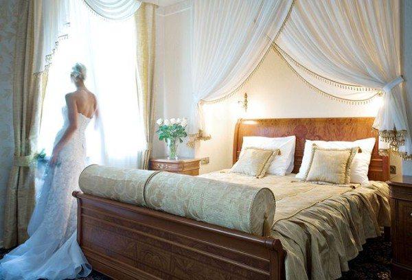 Фото спальни для молодоженов.