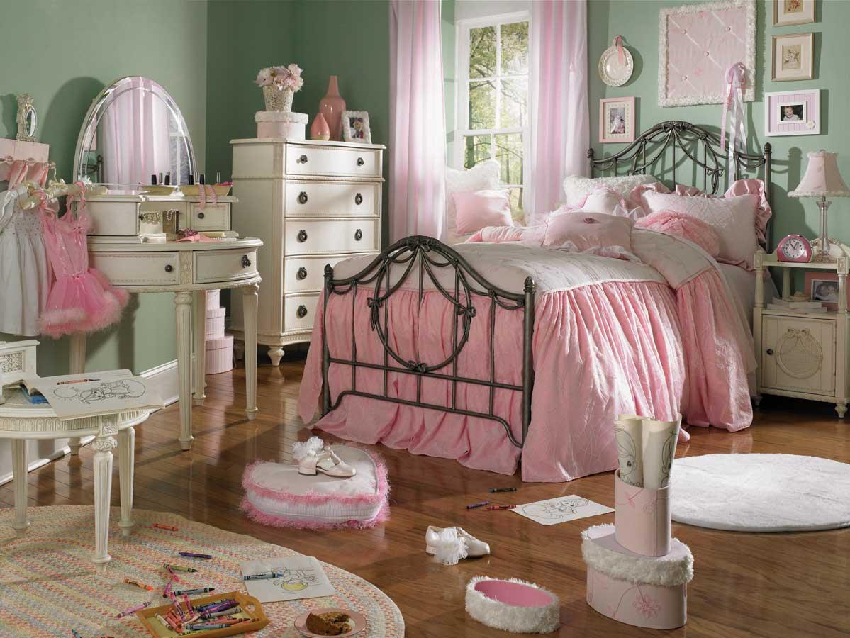 Фото спальни, оформленной в образе шебби шик.