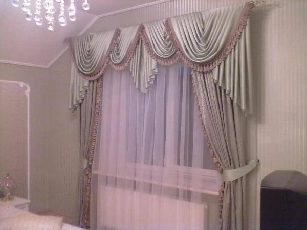 Фото спальни с классическим комбинированным оформлением