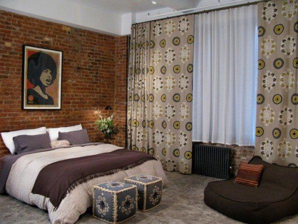 Фото спальни, выполненной по дизайн-проекту в индустриально-марокканском стиле