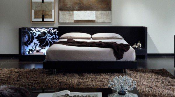 Глянцевый пол, ковер с длинным ворсом – одно из составляющих рассматриваемого направления: создаем интерьер своими руками и собственными фантазиями.