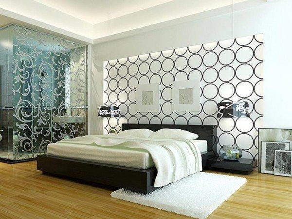 Интерьерный дизайн в этом году для оформления спален предлагает массу интересных решений: витражи, геометрические элементы, технику искусственного старения металла и дерева, низкие датские кровати