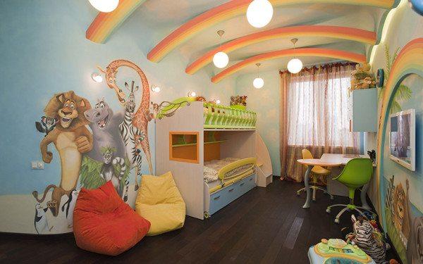 Интересное оформление спальни для деток младшего возраста.