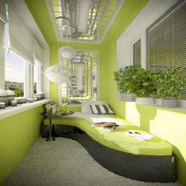 Интересный проект кровати на балконе