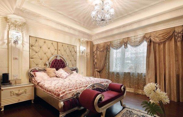Изящная мебель и четкость линий, так выглядит спальня в стиле неоклассика.