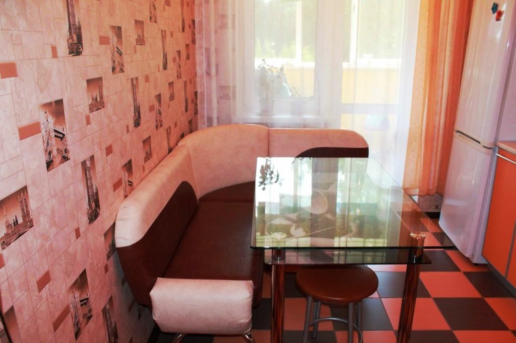 Обои для маленькой комнаты зрительно увеличивающие пространство: фото, как выбрать, помощь в интерьере, какой цвет, небольшой, подойдут, видео