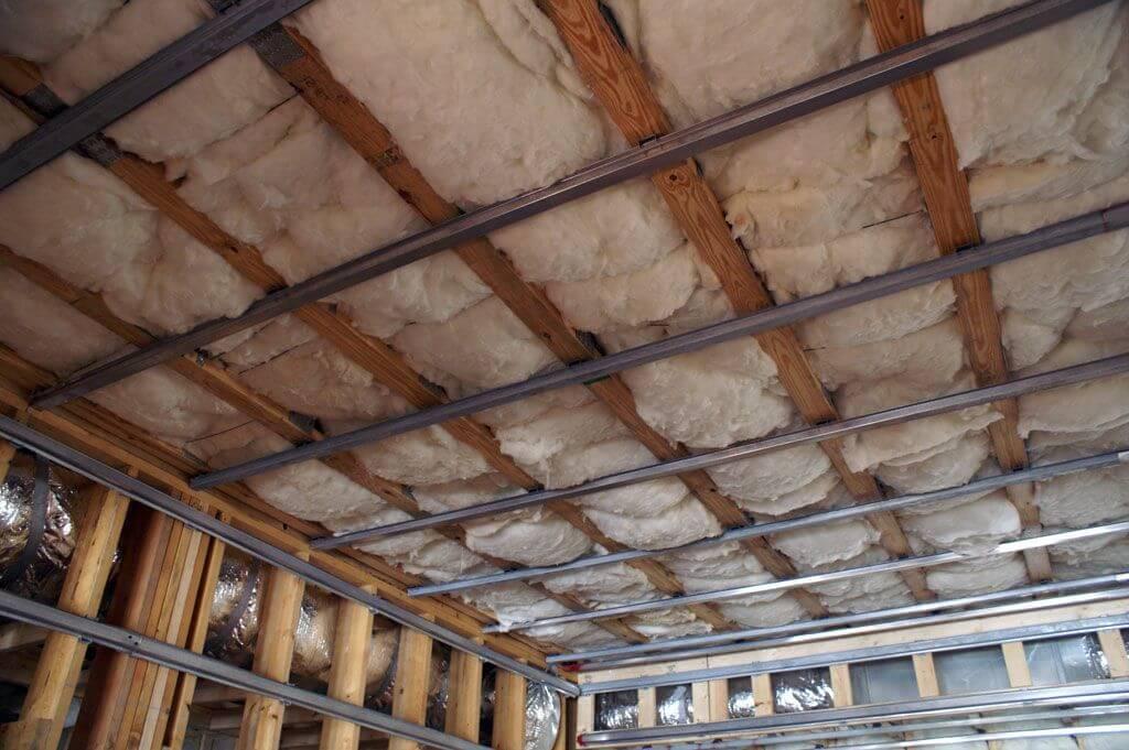 каркас одноуровневого потолка из гипсокартона