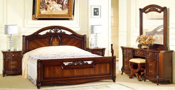 Классический стиль со своей элегантностью и удобной расстановкой необходимых предметов.