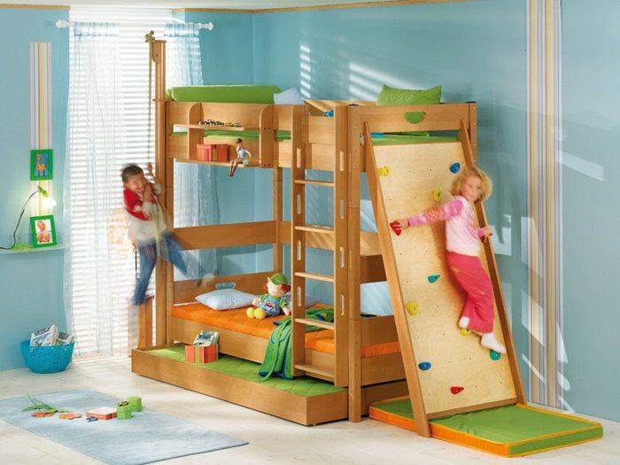 Комната для девочек с игровым комплексом: весело и полезно