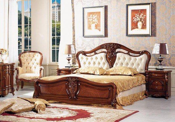 Комплект спальни в классическом стиле